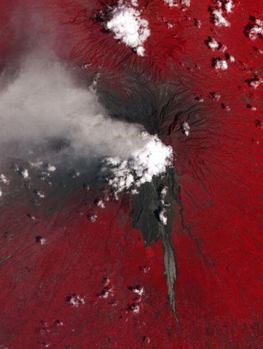 Εκπληκτικές φωτογραφίες ηφαιστείων από το διάστημα (4)