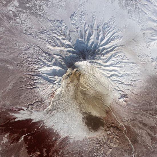 Εκπληκτικές φωτογραφίες ηφαιστείων από το διάστημα (2)