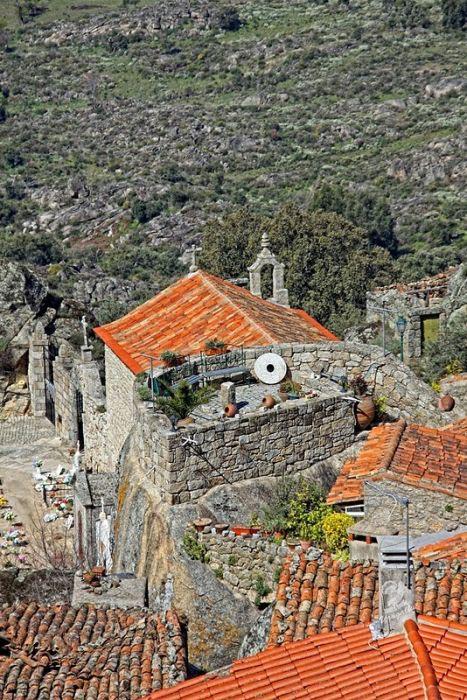 Monsanto: Εντυπωσιακό χωριό χτισμένο ανάμεσα σε βράχους (2)