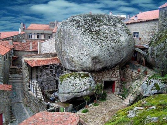 Monsanto: Εντυπωσιακό χωριό χτισμένο ανάμεσα σε βράχους (7)