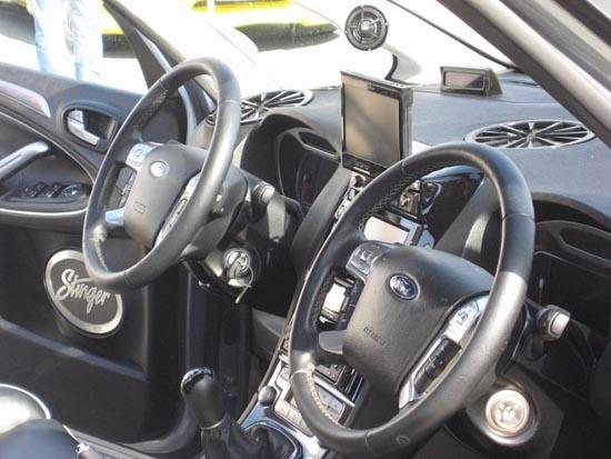 Παράξενη μετατροπή στο εσωτερικό αυτοκινήτου (4)