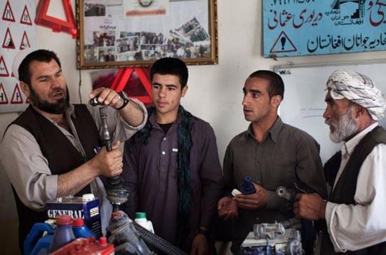 Παράξενη σχολή οδηγών στο Αφγανιστάν (4)