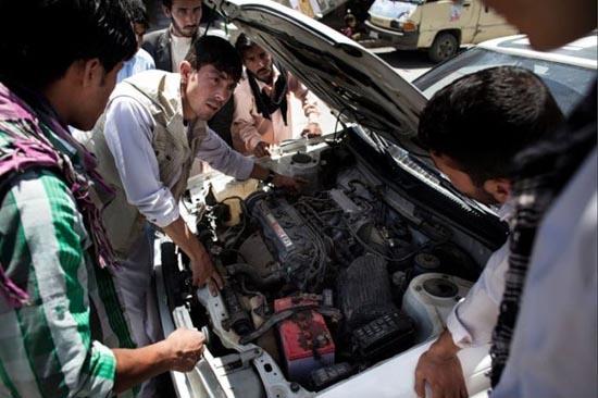 Παράξενη σχολή οδηγών στο Αφγανιστάν (7)