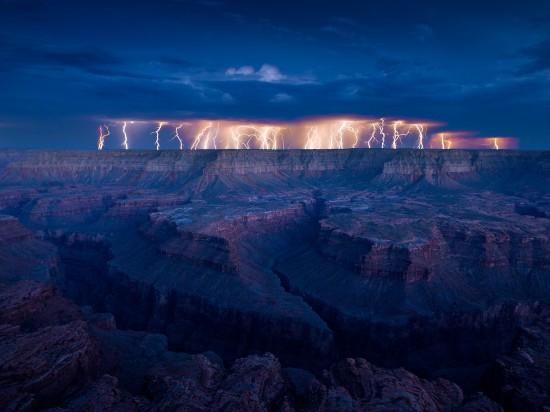 Φωτογραφία της ημέρας: Τρομακτική καταιγίδα πάνω από το Grand Canyon