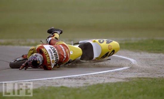 Τρομακτικά ατυχήματα σε αγώνες μοτοσυκλέτας (1)