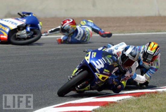 Τρομακτικά ατυχήματα σε αγώνες μοτοσυκλέτας (8)