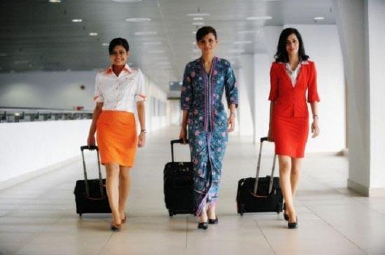 Αεροσυνοδοί απ'όλο τον κόσμο (3)