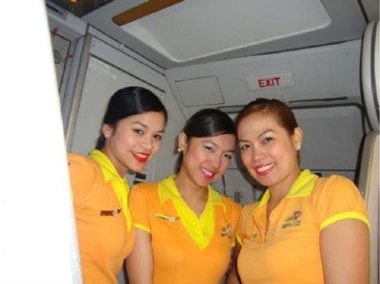 Αεροσυνοδοί απ'όλο τον κόσμο (10)
