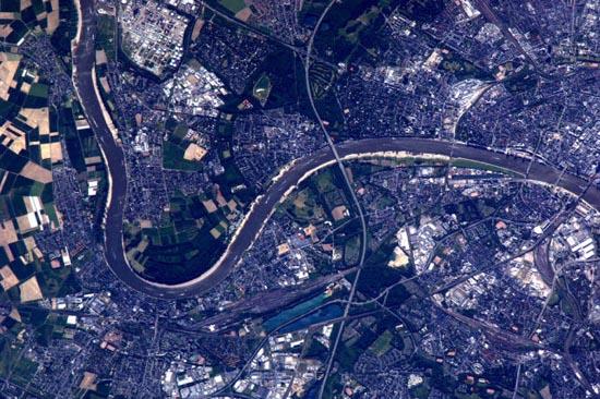 Απίστευτα τοπία από το διάστημα (7)