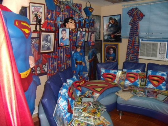 Έκανε πλαστική για να μοιάζει στον Superman! (5)