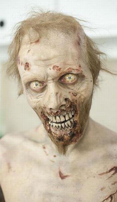 Εντυπωσιακή μεταμφίεση σε Zombie (7)
