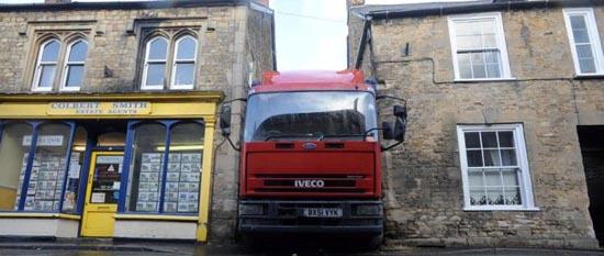 Επική γκάφα οδηγού φορτηγού (5)