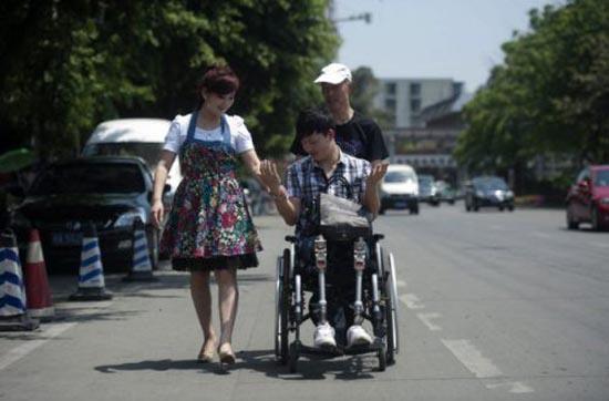 Έχασε τα πόδια του άλλά όχι και τη θέληση για ζωή (12)