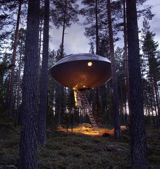 Ξενοδοχείο UFO μέσα στο δάσος (2)