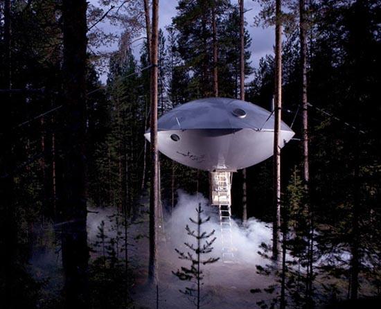 Ξενοδοχείο UFO μέσα στο δάσος (1)