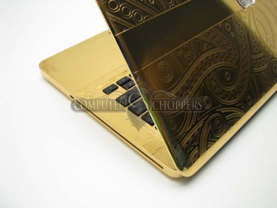 MacBook Pro από χρυσό και διαμάντια 24 καρατίων (3)