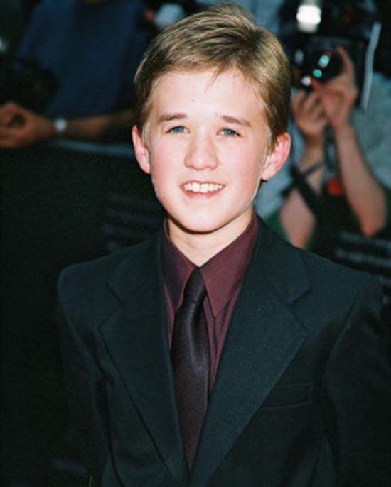 Ο μικρός από την ταινία «έκτη αίσθηση» μεγάλωσε και... άλλαξε (3)