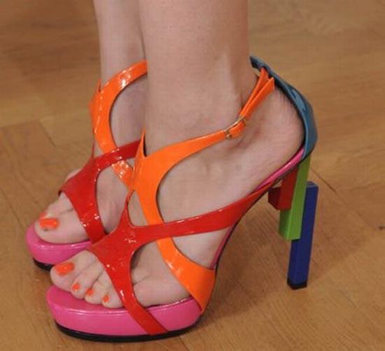 Παράξενα παπούτσια διασήμων (5)