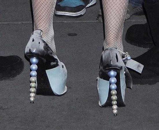 Παράξενα παπούτσια διασήμων (6)