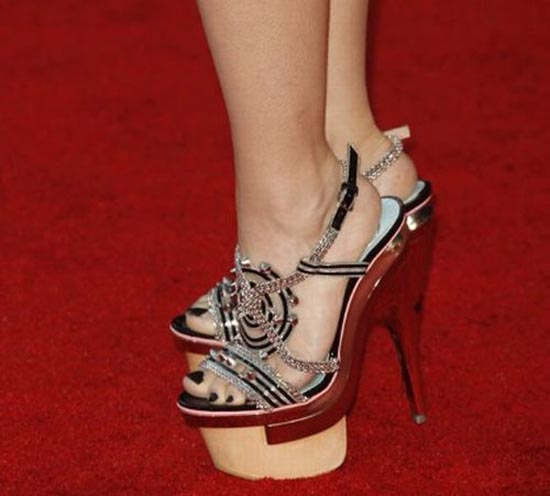 Παράξενα παπούτσια διασήμων (7)