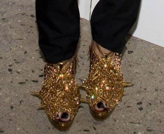 Παράξενα παπούτσια διασήμων (9)