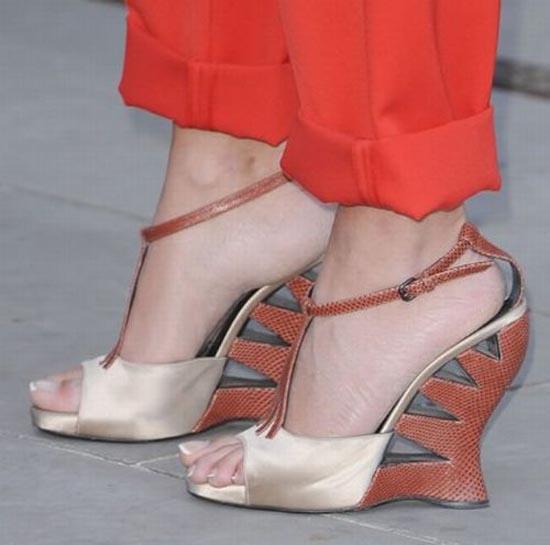 Παράξενα παπούτσια διασήμων (11)
