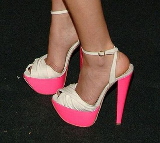 Παράξενα παπούτσια διασήμων (13)