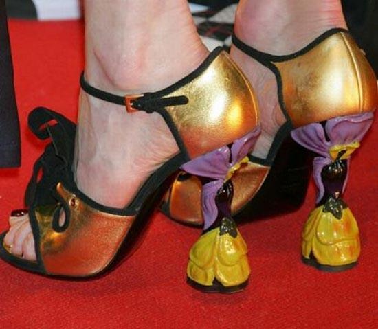 Παράξενα παπούτσια διασήμων (15)