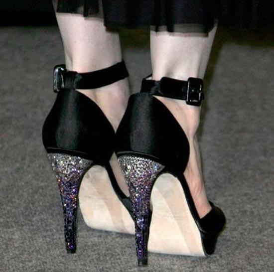 Παράξενα παπούτσια διασήμων (17)