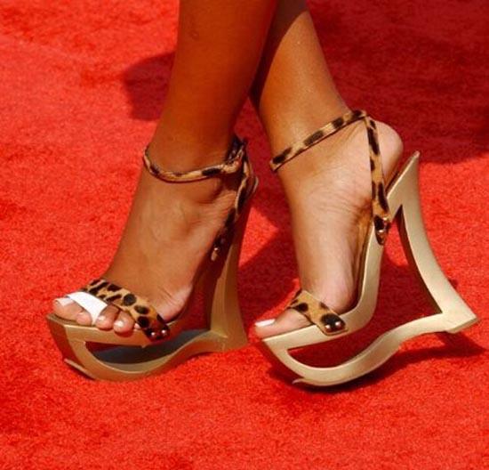 Παράξενα παπούτσια διασήμων (21)