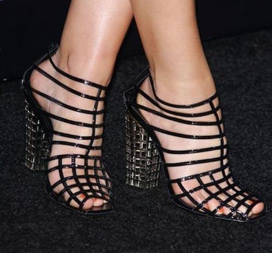 Παράξενα παπούτσια διασήμων (27)
