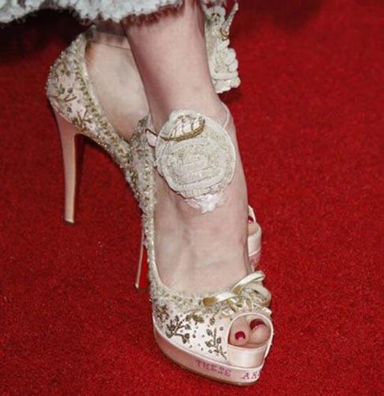 Παράξενα παπούτσια διασήμων (28)