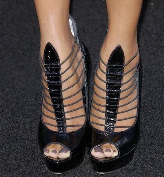 Παράξενα παπούτσια διασήμων (29)