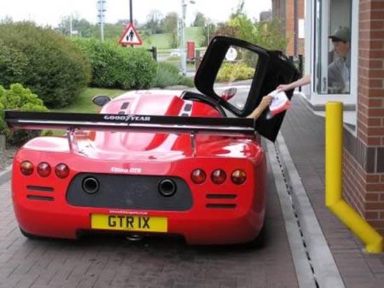 Παράξενοι πελάτες στα Drive Thru (2)