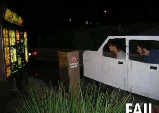Παράξενοι πελάτες στα Drive Thru (12)