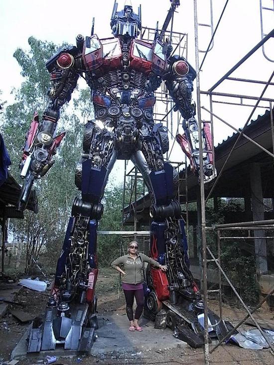Φωτογραφία της ημέρας: Optimus Prime σε πραγματικό μέγεθος