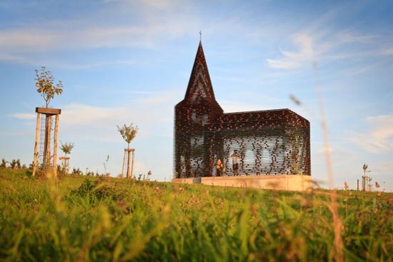 See-through εκκλησία στο Βέλγιο (3)