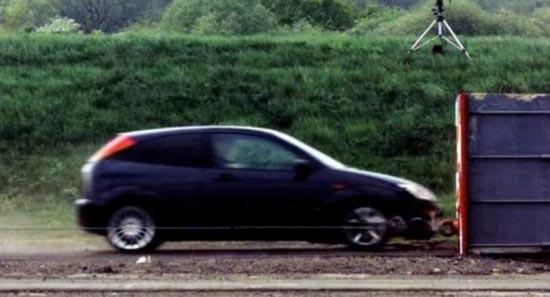 Το ταχύτερο crash test που έγινε ποτέ (1)