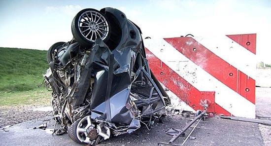 Το ταχύτερο crash test που έγινε ποτέ (5)
