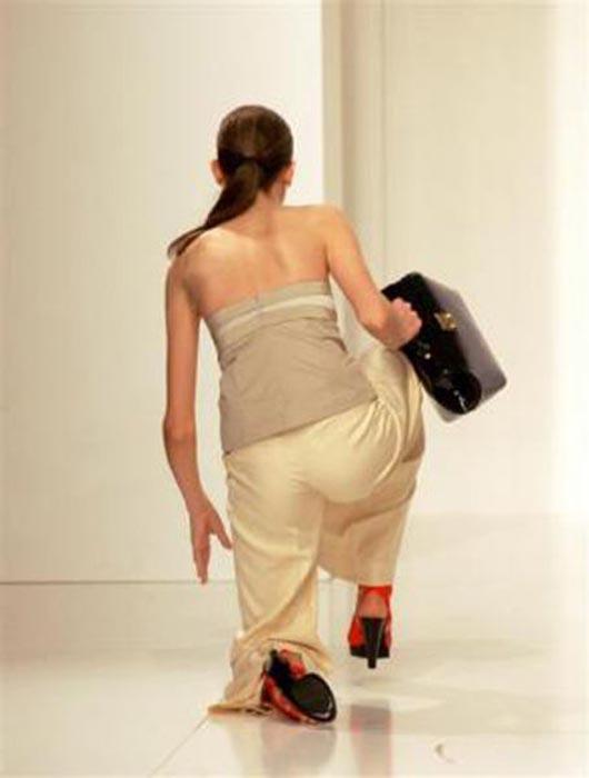Τούμπες μοντέλων στην πασαρέλα (9)