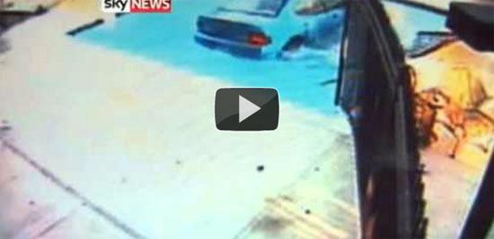 86χρονη βούτηξε σε πισίνα... με το αυτοκίνητο!