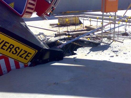 Αναπάντεχο ατύχημα με γερανό στην Αυστραλία (6)
