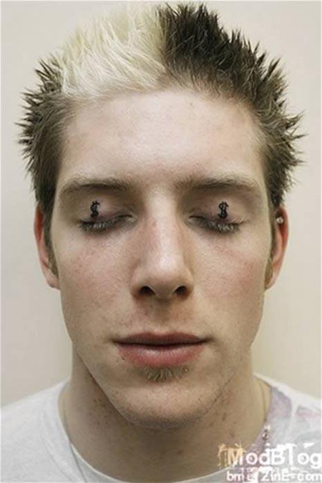 Ανατριχιαστικά τατουάζ στα βλέφαρα (9)