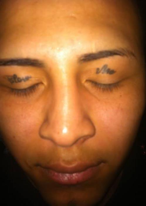 Ανατριχιαστικά τατουάζ στα βλέφαρα (10)