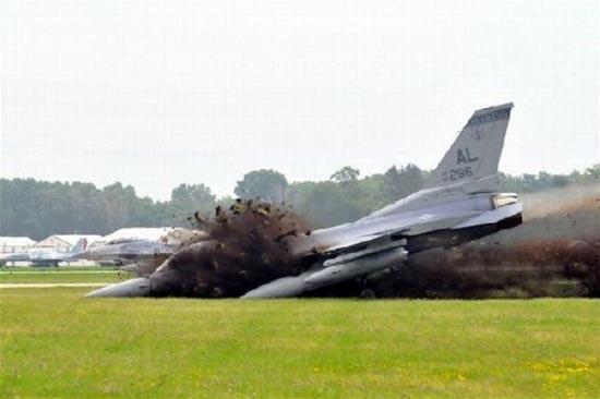 Αποτυχημένες απόπειρες προσγείωσης (8)