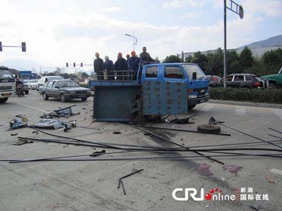 Πολύ άσχημο τροχαίο ατύχημα με απρόσμενη κατάληξη (3)