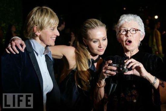 Celebrities με τις μαμάδες τους (9)