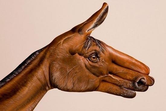 Φωτογραφίες δημιουργικών ζωγραφιών σε χέρια (5)