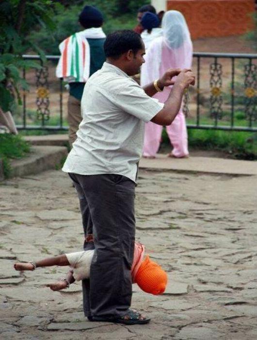 Εν τω μεταξύ στην Ινδία (25)