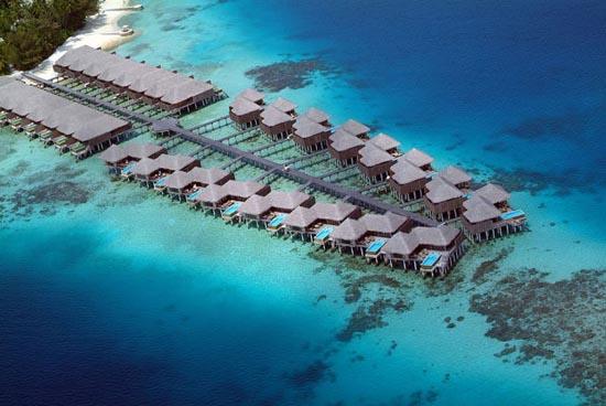 Εντυπωσιακό θέρετρο στις Μαλδίβες (3)